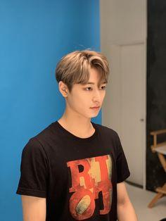 Seo News, Chang Min, Kim Sun, Handsome Boys, Pop Group, Jaehyun, Photo Editing, Dancer, Mens Tops