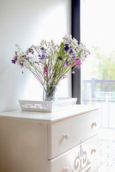 La maison des lavandes   PLANETE DECO a homes world Nightstand, Vase, Furniture, Home Decor, Lavender, Home, Decoration Home, Room Decor, Night Stand