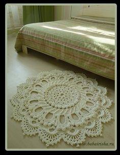 Na verdade este é um tapete feito com um cordão bem grosso, mas na falta do cordão teci com um fio fino como experiencia.  VIDEO 1  VID...