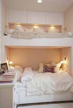 cozy room for teen girls. Bunk beds that each have their own compartments Dream Rooms, Dream Bedroom, Home Bedroom, Bedroom Ideas, Bedroom Decor, Master Bedroom, Bedroom Nook, Warm Bedroom, Attic Bedrooms