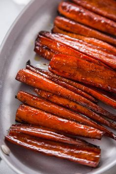 You'll love this recipe for Balsamic Glazed Carrots. It makes the perfect cold weather side dish and is simple to make as well! Balsamic Glazed Carrots, Balsamic Brussel Sprouts, Vegetable Side Dishes, Vegetable Recipes, Carrot Recipes, Healthy Recipes, Healthy Foods, Cold Weather, Food And Drink