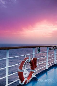 Editing--These 6 everyday tips will help you take the best summer photos ever! Cruise Travel, Cruise Vacation, Family Friendly Cruises, Carnival Cruise Ships, Cruises Carnival, Am Meer, Summer Photos, Royal Caribbean, Backgrounds