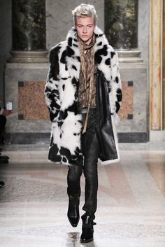 Le défilé Roberto Cavalli automne-hiver 2015-2016  I would wear this coat, every day of my life if I owned it.