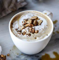 Leite de aveia com café e granola
