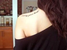 Tattoo Quotes Back Shoulder Tatoo Ideas Tattoo Platzierung, Tatto Ink, Piercing Tattoo, Get A Tattoo, Piercings, Lettering Tattoo, Tattoo Pics, Tattoo Script, Script Tattoo Placement