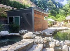 Tucked away in the hills of Los Angeles, this kitHAUS k5 prefab creates an idyllic setting in which to make, and record, music. A musician's dream, this studio features…
