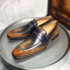 Patines : BDG03 & PLB02 // Modèle : JMG fr06 Dress Up Shoes, Shoes Sandals, Brogues, Loafers Men, Fashion Men, Fashion Boots, Male Shoes, Gentleman Shoes, Well Dressed Men