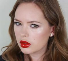 Last week we asked blogger Tanya Burr to give us her top tips on getting the Victoria's Secret model looks. This week we asked her to recreate Marilyn Monroe's iconic makeup as we continue our series marking 50 years since the screen siren's death.