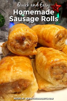 Delicious homemade sausage rolls that can be adapted to include your favourite herbs! These are great for any Christmas party! Delicious homemade sausage rolls that can be adapted to include your favourite herbs! These are great for any Christmas party! Brunch Recipes, Appetizer Recipes, Breakfast Recipes, Sausage Appetizers, Easy Fingerfood Recipes, Party Food Recipes, Bacon Breakfast, Yummy Appetizers, Dinner Recipes