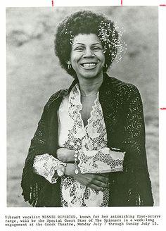 Minnie Riperton huge smile Women In History, Black History, Minnie Riperton, Maya Rudolph, African American Beauty, Dorothy Dandridge, Black Hair Care, Vintage Soul, Smooth Jazz