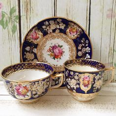 Coalport trio teacup, coffee cup and saucer. Circa 1818 in good condition. Idr 2.300