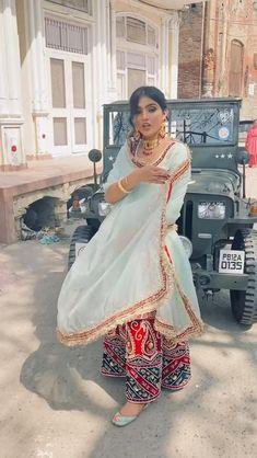 Party Wear Indian Dresses, Designer Party Wear Dresses, Pakistani Dresses Casual, Indian Bridal Outfits, Kurti Designs Party Wear, Dress Indian Style, Indian Fashion Dresses, Designer Suits For Wedding, Indian Designer Suits