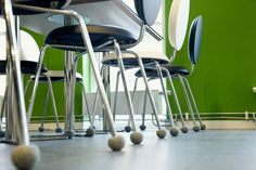 Silent Socks on tehokas melunvaimennin tuolinjalkoihin Shops, Sock Shop, Bar Stools, Chair, Wall, Inspiration, Furniture, Home Decor, Design