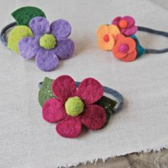 Quick and easy how-to for felt flowered headbands from repurposed tights/pantyhose.