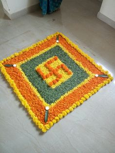 Flower rangoli Housewarming Decorations, Diwali Decorations, Festival Decorations, Flower Decorations, Wedding Decorations, Diwali Rangoli, Indian Rangoli, Diwali Craft, Rangoli Patterns