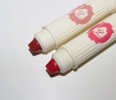 Benefit WING WOMAN, JUICY DETAILS Hydra-Smooth Lip Color Swatches & Review - BlushingNoir