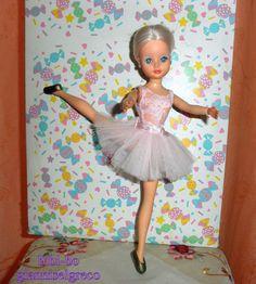 Den bibi-bo ballerina med pink outfit. Bibi-bo ballerina med rosa outfit. Den bibi-bo ballerina med rosa antrekk. Bibi-bo ballerina vaaleanpunainen asu.