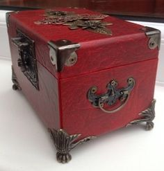 Steampunk box, upcycled box, leather box, craft, Verne Industries p, craft workshop, jewellery box