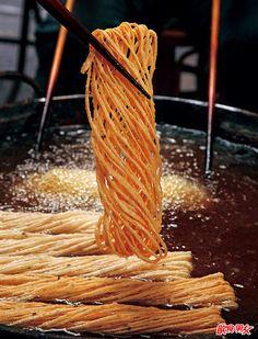 Sesame Sanzi (deep-fried noodles) | Taiwanese Chinese cuisine 芝麻饊子