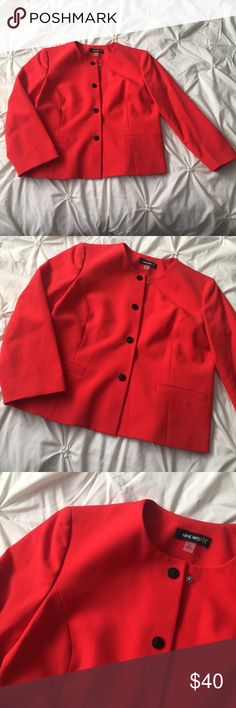 Nine West Red & Black Button Down Blazer Jacket Nine West Red & Black Button Down Blazer size 8 with structured shoulders/padding - perfect for a holiday party or Christmas pictures!  ----- 🚭 All items are from a non-smoking home. 👆🏻Item is as described, feel free to ask questions. 📦 I am a fast shipper with excellent ratings. 👗I love bundles & bundle discounts. Feel free to make an offer! 😍 Like this item? Check out the rest of my closet! 💖 Thanks for looking! Nine West Jackets…