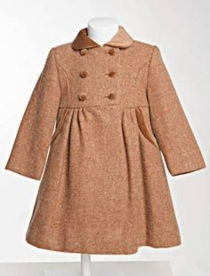 Little girl's traditional coat. Classic winter coats for girls, in wool with velvet buttons and collar. Girls Winter Coats, Kids Coats, Childrens Coats, Baby Kids Clothes, Kid Styles, Little Girls, Kids Fashion, Wool Coats, Traditional