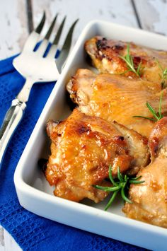 Maple Garlic Glazed Chicken. Perfect combination of sweet and salty with hints of garlic and ginger. |www.flavourandsavour.com