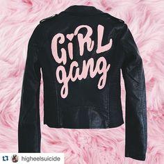 This is so Grease. @higheelsuicide #streetstyleswipe #streetfashion #streetstyle #style #girlgang #leatherjacket #motojacket #leathermoto