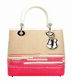 Christian Dior  #soysexy #sexy #bags more pins under www.supondo.com