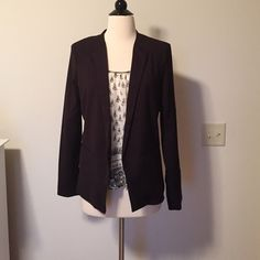 NWT Forever 21 blazer Soft pinstripe black blazer. Front lays open. Faux pockets in front. Vents at sleeve cuffs. Brand new!! Top underneath sold separate! Bundle for discount 😊 Forever 21 Jackets & Coats Blazers