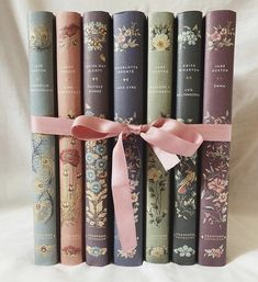 Old Books, Vintage Books, Books To Read, Book Aesthetic, Aesthetic Pictures, Books And Tea, Classic Books, Library Books, Love Book