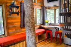 Meadowlark Treehouse at Montana Treehouse Retreat - Treehouses for Rent in Columbia Falls, Montana, United States