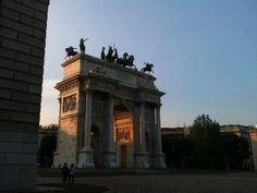 Foto di Maurizio Dall'Aglio #Milano #milanodavedere #milanese #meneghino #milanocittadarte #igersmilano #instamilano #igers  www.milanodavedere.com