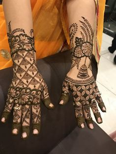 Get Amazing Collection of Full Hand Mehndi Design Ideas here. Modern Henna Designs, Rose Mehndi Designs, Khafif Mehndi Design, Full Hand Mehndi Designs, Henna Art Designs, Mehndi Designs For Girls, Stylish Mehndi Designs, Dulhan Mehndi Designs, Wedding Mehndi Designs