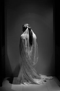 Destination bride in @alvinavalenta wedding dress and long wedding veil. Wedding fashion ideas by Quetzal Wedding Photo