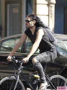 Celebrities Taking Bike Rides | Shared from http://hikebike.net