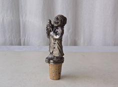 Vintage Bottle Stopper Pewter Figurine Barware Corner Bar, Cool Necklaces, Bottle Stoppers, Vintage Coffee, Pewter, Barware, Cork, 1980s, Antiques