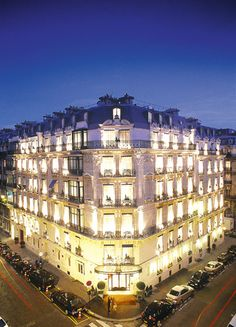Hotel La Tremoille, Paris