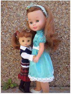 Pruebas y Compatibilidades de Vestidos para Muñecas - En esta sección de El Consultorio de Mónica os ayudo a ver como algunas de nuestras muñecas pueden intercambiar sus ropitas. Como siempre espero que os guste y os ayude.