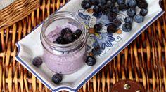 Un rimedio per la stitichezza 100% naturale facile veloce e pratico? Si chiama chia pudding allo yogurt ed è adatto a grandi e bambini.
