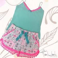 Resultado de imagen para pijamas dulces sueños Lingerie Sleepwear, Nightwear, Kids Outfits, Cute Outfits, Pajamas Women, Comfortable Fashion, Sewing Clothes, Get Dressed, Pajama Set