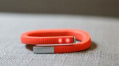 If having a screen isn& a priority, the Jawbone superb app, clever advice, and comfy fit are hard to resist. Wearable Device, Wearable Technology, Latest Technology, Jawbone Up, Summer Wedding Guests, Gifts For Photographers, Play Soccer, Square Photos, Consumerism