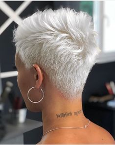 56 Stylish Short Hair Style For Female-Short Pixie Haircut - Page 10 of 56 - Latest Fashion Trends For Woman Short Pixie Haircuts, Cool Haircuts, Pixie Hairstyles, Short Hairstyles For Women, Haircut Short, Pixie Bob, Blonde Haircuts, Office Hairstyles, Anime Hairstyles