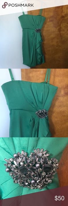"""BCBG Cocktail dress BCBG Green Cocktail Dress Size 6. Wore 1x only to St. Patrick's day wedding. No signs of wear. Can be worn with or without the straps.  Even has spot to attach to strapless bra see pic. 29"""" long and approximately 21"""" from waist. Perfect cocktail dress! BCBG Dresses Strapless"""