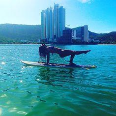 MARavilhoso! #supyoga #yoga #yogateacher #praia #mar #balneáriocamboriú #bynina (em Barra Sul, Balneário Camboriú, Santa Catarina)