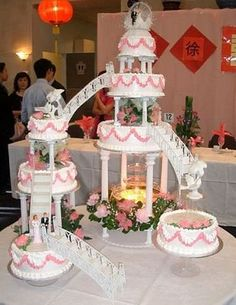 a wedding in the 80s was never complete without the huge cake with fountain in it!
