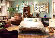 もっともリラックスしたいベッドルームは、上質な素材感のリネンや差し色のクッションをポイントで置くだけでぐっと春らしい雰囲気を演出できます。REAL SHOP   MUJI meets IDEE   無印良品