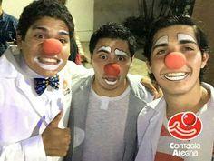 《Puede que estemos un poco locos pero intentaremos sacarte una sonrisa a pesar de todo!》 #ContagiaAlegría #ConElCorazónEnLaNariz #SoñarDespierto