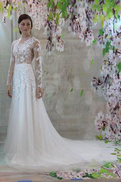 Item Type:Wedding Dresses Waistline:Natural is_customized:Yes Brand Name:Handmade Dresses Length:Floor-Length Silhouette:Aline Neckline: Sweetheart