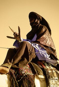 Tuareg People, Arabian Nights, Orient, People Of The World, West Africa, Culture, Fes, Black Beauty, Drawings