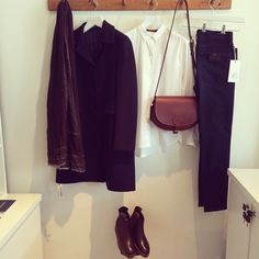 Our #outfitoftheday today is perfect autumn weather! Featuring the @aspesilab navy wool coat, #sofiedhoore classic shirt white, @ctznsofhumanity rocket high rise skinnies, #mackenzieleather large cartridge bag in chestnut, #falierosarti composita print scarf and @robertodelcarlo Agri flex corteccia boots! #fashion #epitome #ootd #autumn
